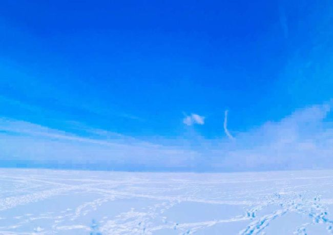The Arctic Pole The Arctic Pole 300KM Travel White Color Give My Heart Love ♥ EyeEm Nature Lover Dreams Sunny Day Polar Lights Blue Sky No People EyeEm Cloud - Sky Blue Sky Nature Scenics No People Tranquility Beauty In Nature Outdoors