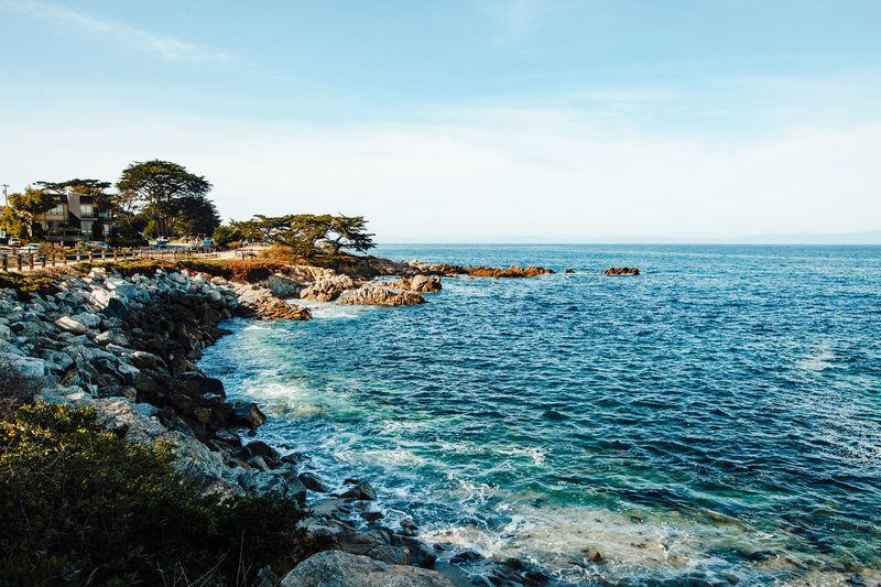 city by the sea Monterey Monterey Bay Hafeb Beauty In Nature Pacific Pacific Ocean Pazifik Meer Sea Wasser Water Boote Boat Segeln Küste Klippen Cliffs Waves Wellen