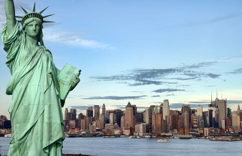 New York New York City New York Statue Of Liberty New York ❤ No People NYC NYC LIFE ♥ NYC Skyline Outdoors Skyline Statue Of Liberty