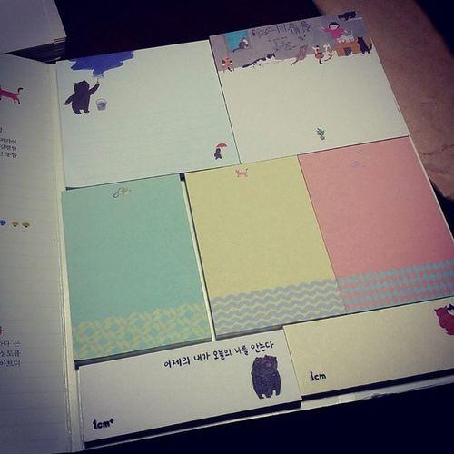 Bookstagram 북스타그램 일센티 일센티첫번째이야기 1cm 허밍버드 instasize instadaily daily 웬떡 내게 필요했던 포스트잇 잇템 득템