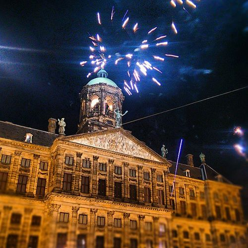 First NYE on another continent Damsquare Fireworks Warzone Countdownfrom1