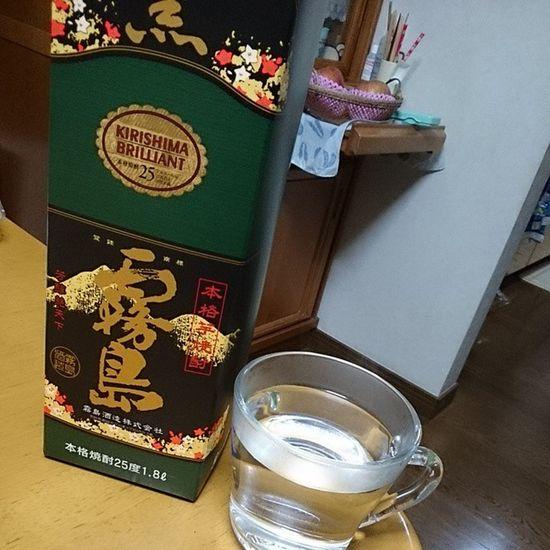 焼酎お湯割り♪ Drinking 黒霧島