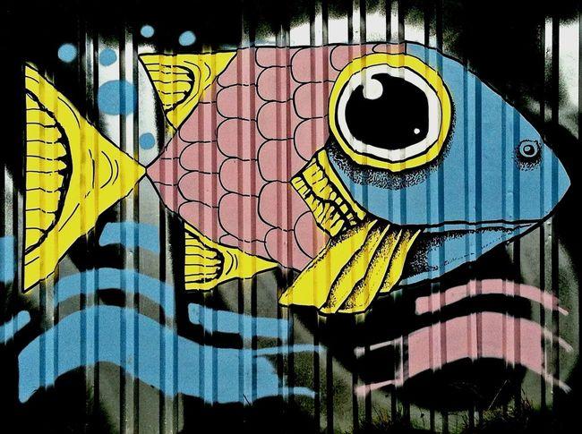 Graffiti Hamburg St. Pauli Fish Graffiti Art Swimming With The Fish Streetart Street Art/Graffiti Jopesfotos - Urban
