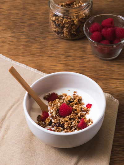 High angle view of breakfast cereal in bowl on table