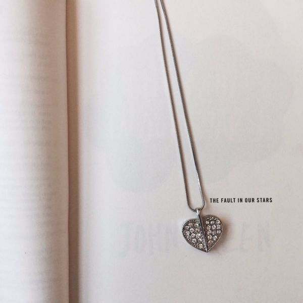 Thefaultinourstars Books Reading Heart_necklace Necklace No People Close-up Day