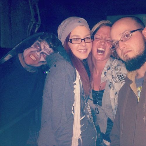 Photo bomb! Erabus Hauntedhouse Icantwaitforittobeover