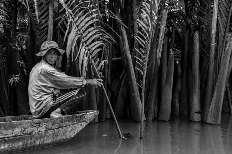 Fisherman on Mekong river Cambodia Black And White Blackandwhite Blackandwhite Photography Boat Mekong River Mekong Delta Fisherman