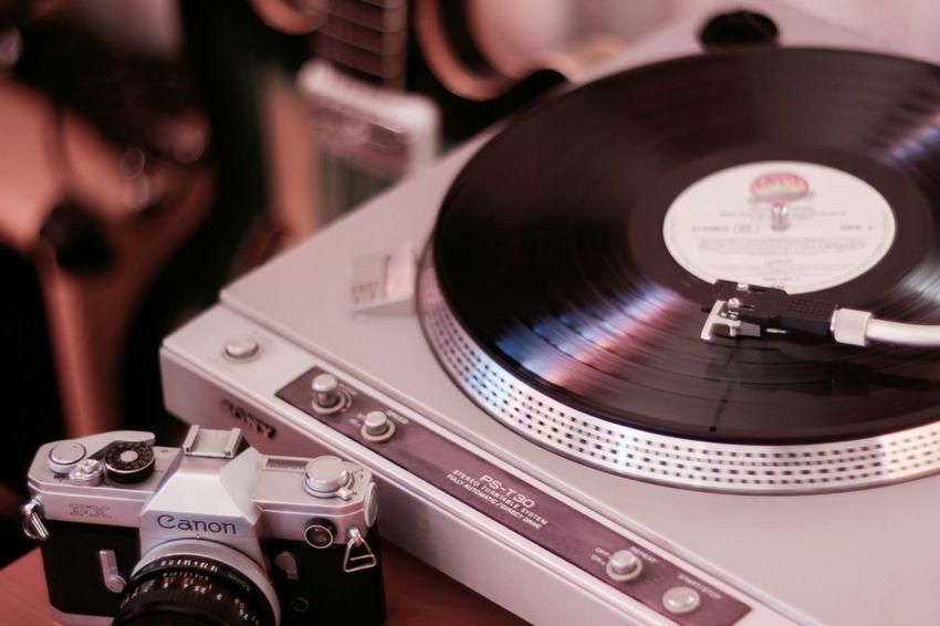 Vintage Guitar Camera Turntable Canon Sony Orpheus Vinyl винтаж фотоаппарат проигрыватель винил гитара