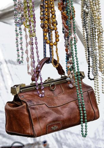 Antiqe  Antiques Bag Handbag  Handtasche Leather Leather Bag Markt Necklace Necklace For Sale