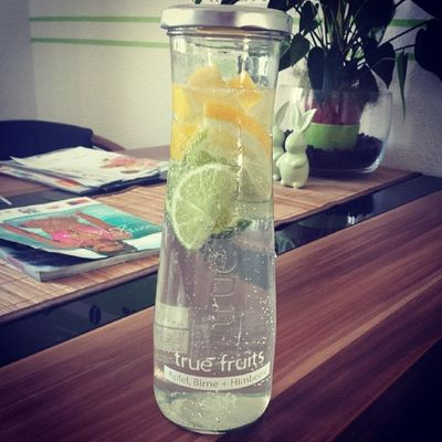 Wasser Love IT Lemon zitrone fruits after workout sport sunshine unterwegs sun tasty lecker ??