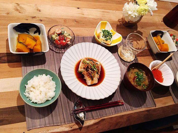 Today's Dinner メカジキの香味野菜がけ かぼちゃの煮付け トマトときゅうりとカッテージチーズのバルサミコドレシッングサラダ ごぼうとサツマイモと玉ねぎのお味噌汁 冷奴ごま油とお塩で Swordfish Punpkin Tomato Cucumber Cottagecheese Balsamic Vinegar Burdock Sweetpotato Onion Miso Soup Tofu Healthy Eating Cooking Fishdinner Japanese Food Foodporn