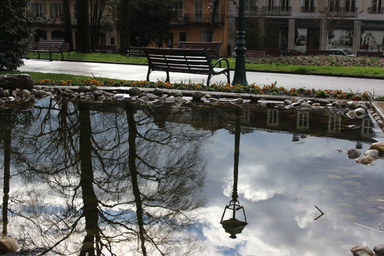 Bank City Clouds Cloudy Nature Noedit Nofilter Original Park Reflection Reflections In The Water Sky Street Lamp Trees France Frenchphotographer Outdoors No People Eyemphotography Original Photography Loneliness Walking Around Aix Les Bains Tranquility Timelessness