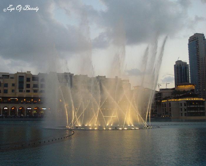 Fountain Water DubaiUAE Dubaicity Dubai Fountain DubaiMall Dubai Burj Khalifa
