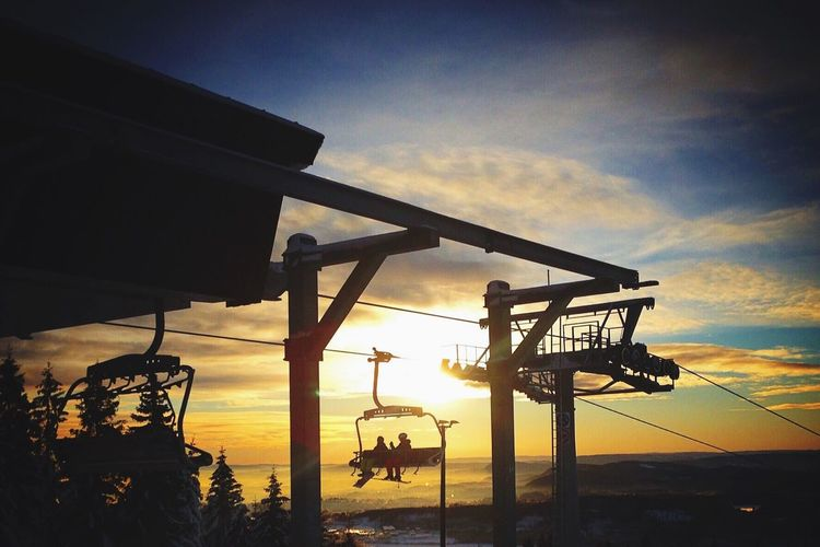 🔸Skiing at the top of Oslo🔸 Oslo Norway Alpineskiing Skiing Showcase: January Enjoying Life Sunset_collection Capture The Moment Skilift Tryvann Oslovinterpark