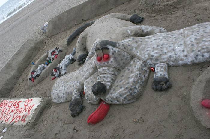 Sand Art - Dog with Puppies Animal Themes Art On The Beach Artist Creative Creative Sand Art Creative Sand Castle Creative With Sand Creativity Day Dog Love Dog With Puppies Dogs Mammal No People Outdoors Sand Sand Art Sand Art On The Beach Sand Castle SPAIN Torrox Torrox Costa