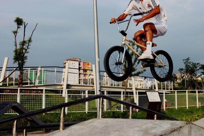 Jump!!! Urban Sports The View And The Spirit Of Taiwan 台灣景 台灣情 Enjoying Life Sport EyeEm Taiwan Take A Trip Enjoying Life Landscape