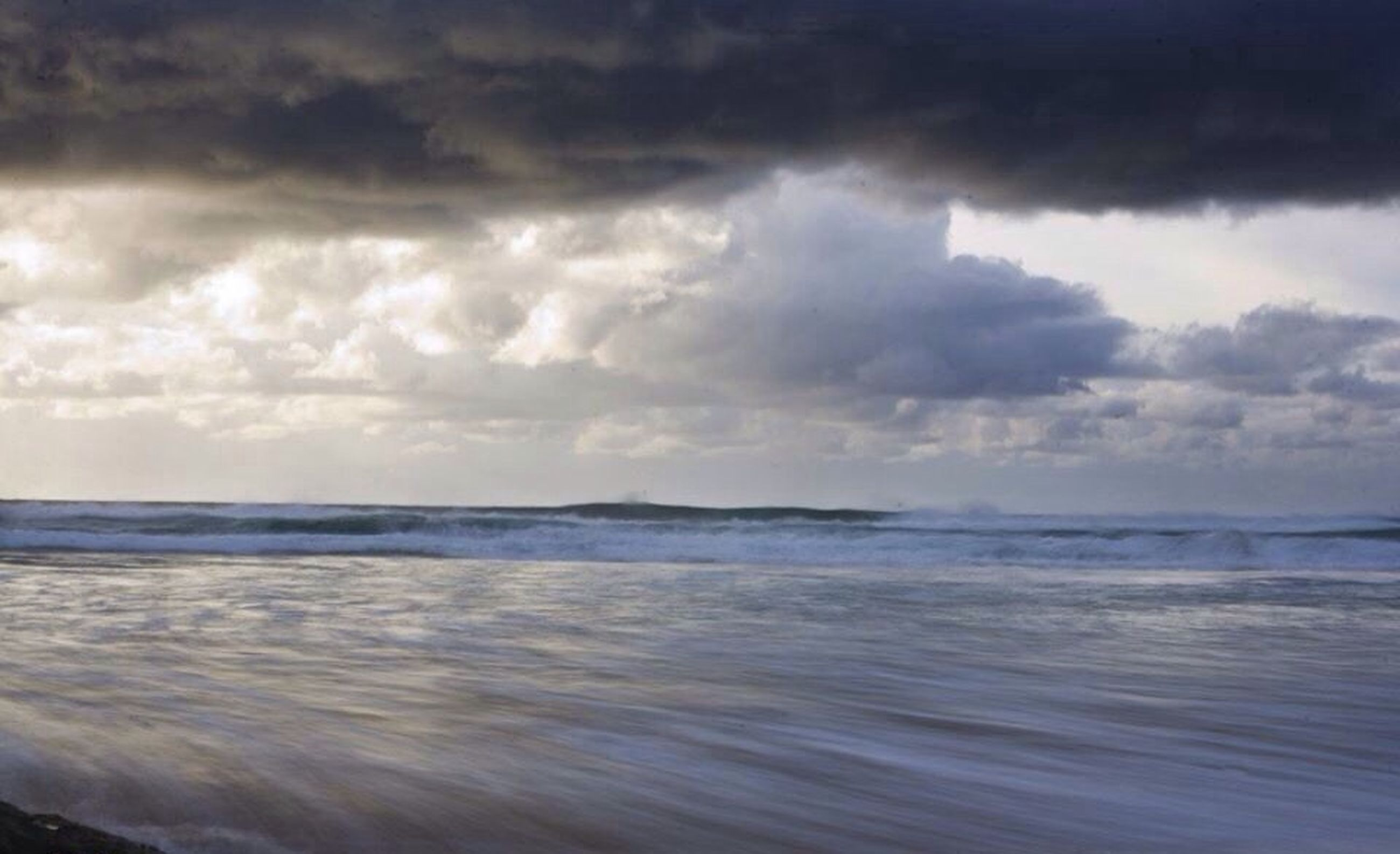 sea, water, sky, horizon over water, cloud - sky, scenics, cloudy, beauty in nature, tranquil scene, tranquility, beach, nature, wave, weather, overcast, storm cloud, shore, cloud, idyllic, waterfront
