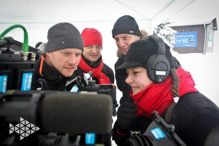 Life on set filmset behind the scenes buissnes woman Director filmmaker mompreneur Setlife That's Me Knitterfisch