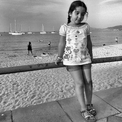 Pour toi Guillaume... @nuvolelib .. la mer.. notre méditerranée.. un enfant... mon enfant ♥ .. un peu a ta manière. . Je me devais de te rendre hommage mon ami.... A_la_maniere_de ... malgré le fait d avoir du supprimer ma galerie je tenais a participer. . Un bisous pour vous les filles @stefania131313 @mcg_1978 .. bel aprem a vous..