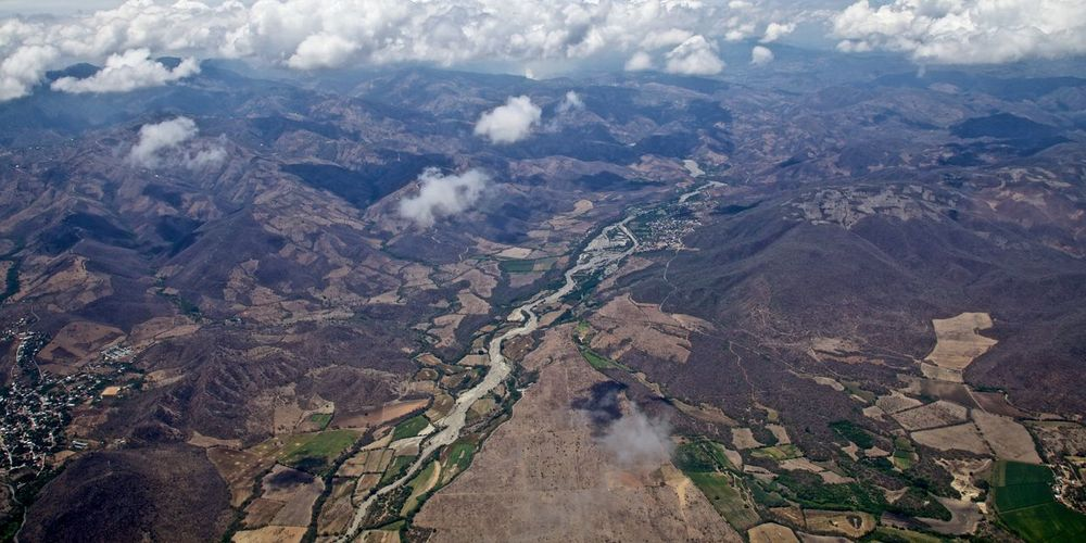 Valle del Motagua Best EyeEm Shot EyeEm Gallery Chopper Aerial View Valley River Motagua Guatemala 🇬🇹 Environment Landscape Scenics - Nature Aerial View Mountain Nature Beauty In Nature Mountain Range Travel Cloud - Sky Tourism Solid Panoramic Geology