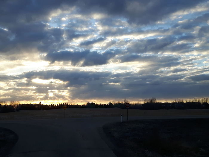 Dramatic Sky Cloud - Sky No People Sky Nature Beauty In Nature Scenics Outdoors Sunrise Headed East Spruce Grove, Alberta Samsung Galaxy S5 Neo Bright Light Sun Rays Through The Clouds