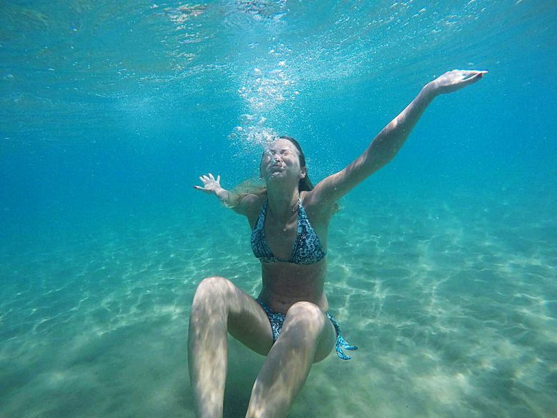 Underwater One Person Adults Only Swimming Water Only Men Motion Bubble One Man Only Young Adult Swimming Pool Refreshment Underwater Diving Leisure Activity Day Happiness Adult People Snorkeling Skill  Ocean Blur Beauty In Nature Nature Holiday