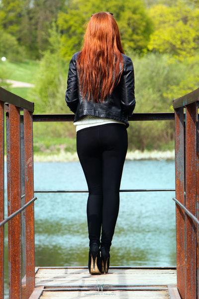 Water Young Women Women Standing Females Redhead Rear View Long Hair Lake Railing