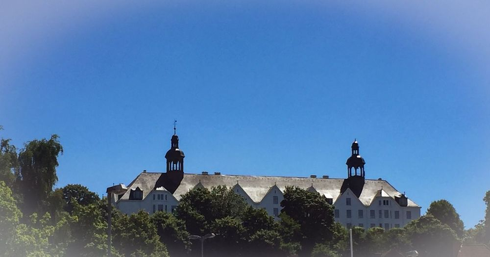 Fielmann Akademie/Schloss Plön Sky Building Exterior Built Structure Architecture Copy Space Clear Sky Tree