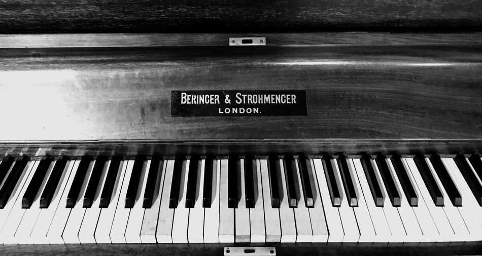 Beringer Strohmenger Piano Key Piano Klavier Tasten Keys Black & White Blackandwhite Black And White Old Piano well used Worn Out Worn Out & Wonderful  Worn Down old Old But Awesome Wooden Background Music Instrument B'n'W London classical music Musik Text Jazz Blues Dixie Rag