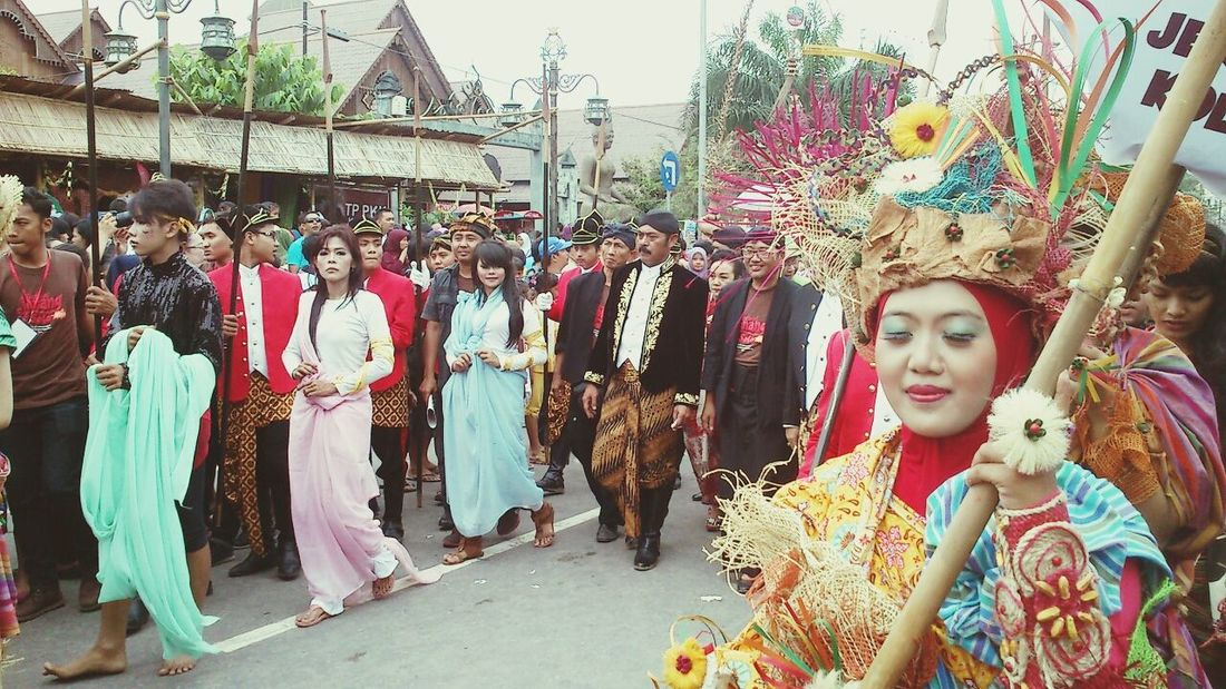Festival Traditional INDONESIA Enjoying The Sun || the mayor of Surakarta, guess which one of em