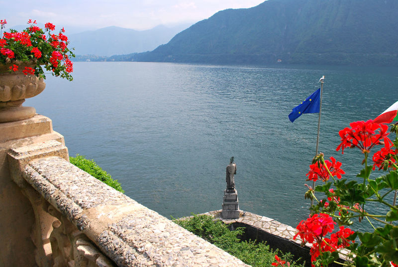 Villa Balbianello's Garden - Lenno, Como, Italy. Beauty In Nature Como Cultures Day Famous Place Flower Fondo Ambiente Italiano Idyllic Lake Como Lario Lenno Lombardia Lombardy Nature Outdoors Red Statue Tourism Tranquil Scene Travel Destinations Villa Balbianello Water