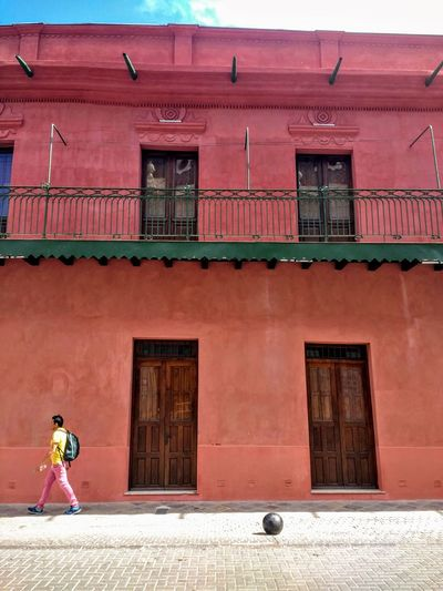 Building Exterior Architecture Built Structure Building City Day Street Sidewalk Lifestyles Red Balcony Colonial Style Buildings Colonial Style Colonial Architecture