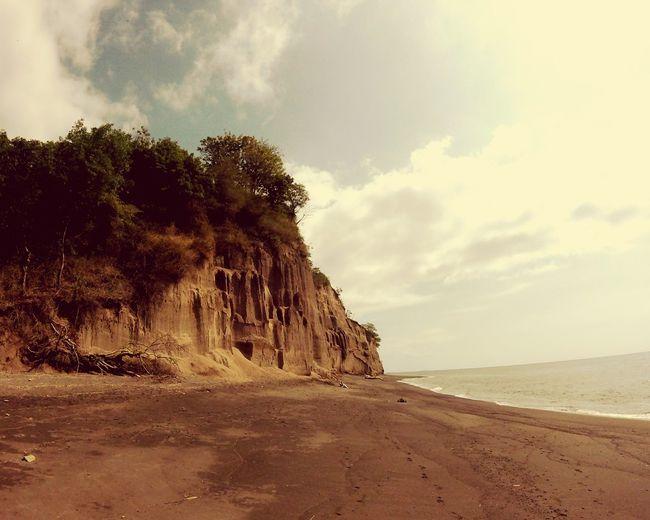 cliff lombok beach