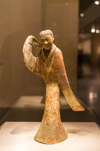 Sculpture Human Representation Art And Craft Representation Statue Male Likeness Indoors  Creativity Focus On Foreground Craft Arts Culture And Entertainment Museum No People Close-up History The Past Figurine  Female Likeness Skill  Angel