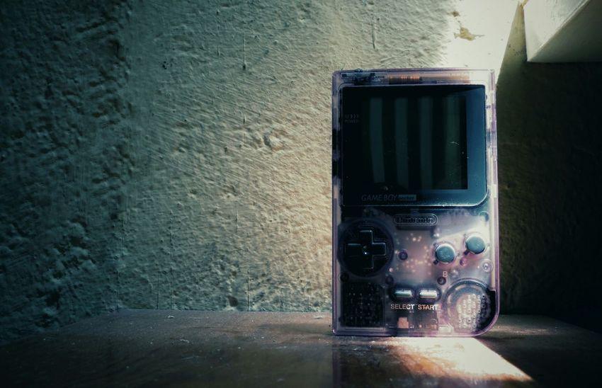 Esta semana en nuestro Facebook de Elperroartista, tenemos la temática de Recuerdos pasen a visitar y Compartir sus imagenes. This week in Elperroartista Facebook, you can Share your images about Memories let's see your great shots! Perspective Gameboy Retro Gaming Shadows & Lights Purple Nintendo