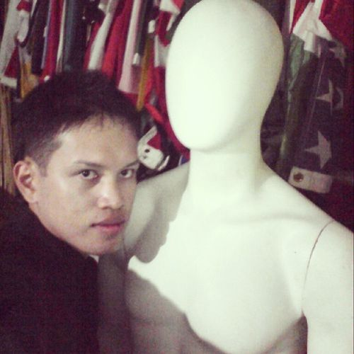 The man of my sorrow: -) Selfiewiththemannequin