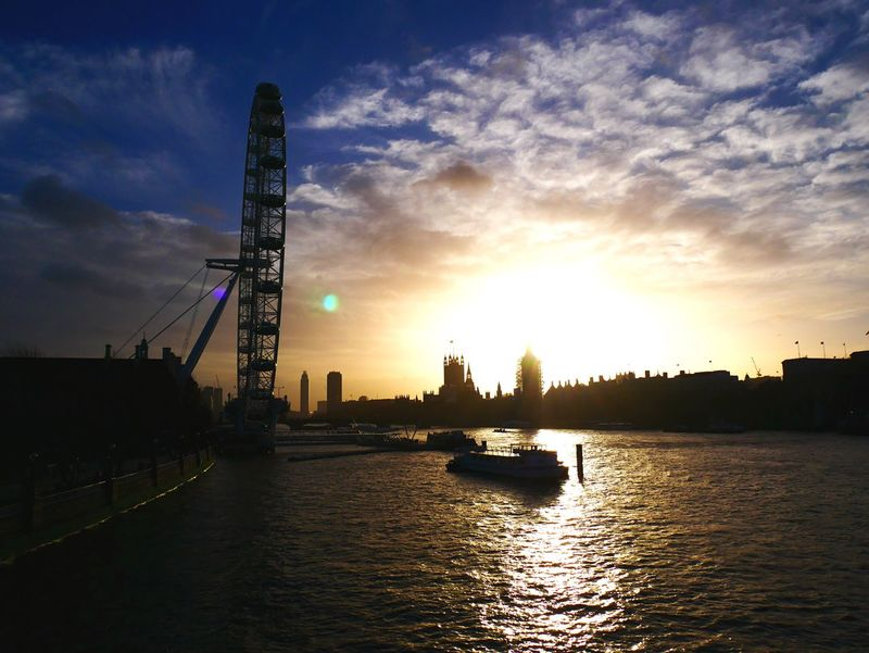 Sunset over Westminster - kissed by the sun Architecture Sky Building Exterior Built Structure Water Sunset Nautical Vessel Sun Sunlight Ferris Wheel Waterfront First Eyeem Photo EyeEmNewHere