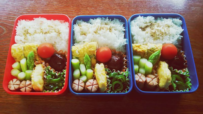Food And Drink Food Lunch Box Healthy Eating Business Finance And Industry Fruit Variation Kiwi - Fruit Vegetable Apple - Fruit Indoors  Freshness No People Tray Multi Colored Legume Family Ready-to-eat Close-up Day 弁当 子供日本