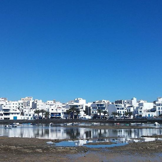 La belleza y la fealdad son espejismos porque los demas terminan viendo nuestro interior. Frida Khalo Espacio_canario Ig_laspalmas Ig_lanzarote Igers Loves_canarias Loves_spain Total_spain Total_canarias Espacio_spain Canariasahora Canariasgrafias Alisiosteam Ok_spain Ok_canarias Estaes_canarias Great_captures_spain Estaes_espania Ig_spain Lanzarote Canarias