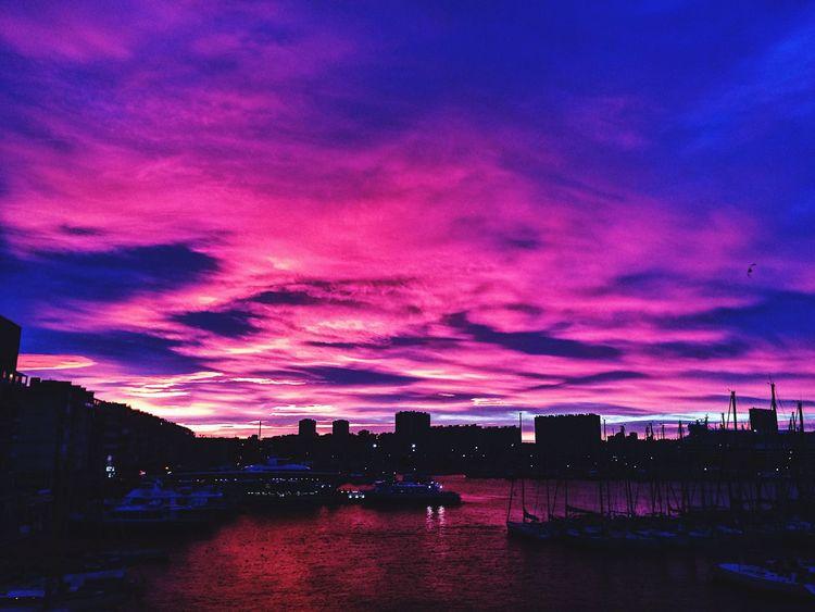 Matin d'hiver sur Le port de Toulon Sky Waterfront Cloud - Sky Sunset Skyscraper Illuminated Cityscape Nature Photo Photography Eye4photography  EyeEm Nature Lover