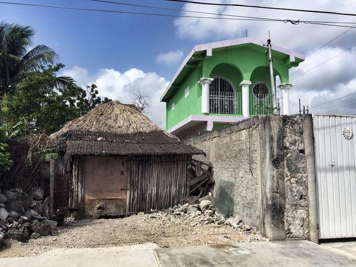 Architecture Tulum Quintana Roo Mexico Contrast Kontrast House Haus Hütte Cottage Poor Rich