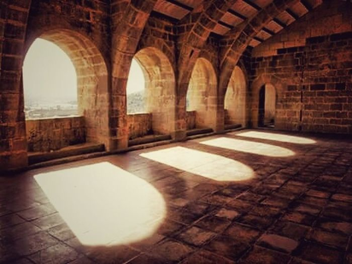 https://www.facebook.com/myhobbyvalerinicolaev/ Relaxing Taking Photos In The Castle Castle Relaxing Check This Out From My Point Of View Showcase : January Eyeem Best Photo Capture The Moment EyeEm Best Shots EyeEmBestPics