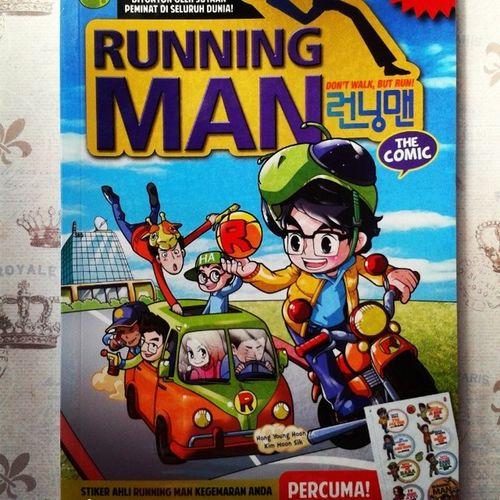 Sebagai kakak yang baik hati lagi comel <------- ayat nak kena Lempanglelaju haha nah akak bought this Running man comic compilation for you adek @syazarrrr ^_^ Mohon balas dengan belanja akak lunch kt Seoul Garden else Roxy bag please ;p muahahahaha *kidding* Runningman Comic Neverarunningmanaddict sayastokcakeramaorceghitaomputihjaaa :p