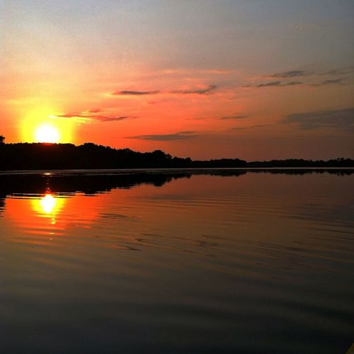 The water at sunset, with its quiet clarity has some magical transfer to those present. I'm sure of it. Sunset Water Eyem Nature Lover Tadaa Community