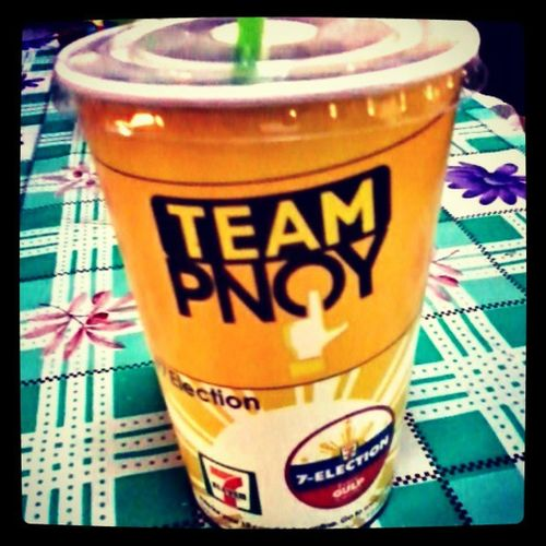 Team PNoy ako. Ikaw anung team ka? Election2013 TeamPnoy LiberalParty Votewisely PNoy Yellow 7Eleven