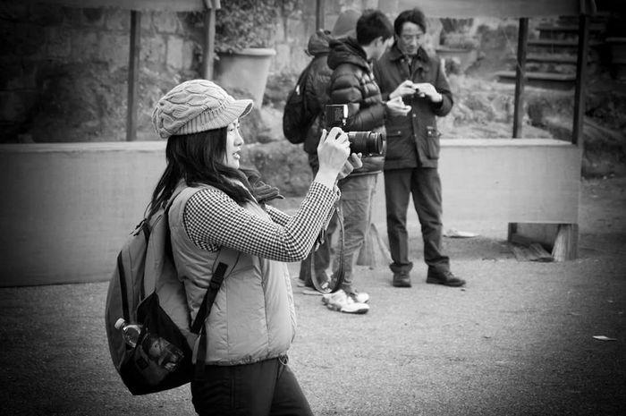 EyeEmBestPics Eye4photography # Photooftheday Popular Photos EyeEm Best Shots Eye4photography Shapshots Of Life Mood Capyures Great Atmosphere Editing EyeEm Gallery Eye4photography Eyeembestpics Winter Wonderland My Winter Favorites Winterscapes Photography EyeEm Best Edits Eye4photography  Love , OpenEdit , EyeEm , Friends , EyeEm Best Shots , Open Edits Blackandwhite Potrait Streetphotography Streetphoto_bw Street Potrait_photography Potraits Potrait Of Woman Girl
