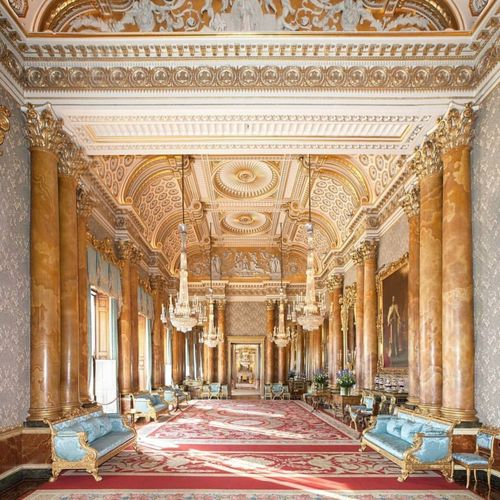 Buckingham Palace Great Britain England London Arch Architecture Travel Destinations Tourism Cultures No People Indoors  Day (null)Lounge Lobby Room Decor Ballroom Dance Worthit Sitting Room