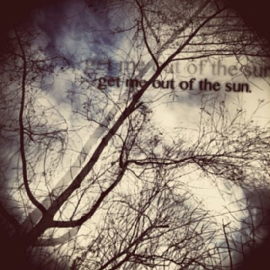 Everyday I wake up, everyday I wake up alone... Someone get me out of the sun... Theprettyreckless Killme Typography