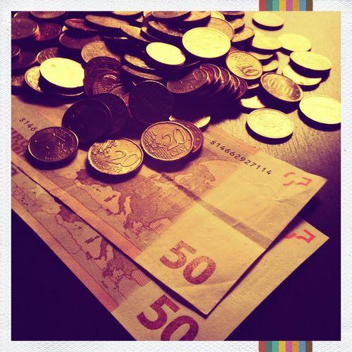 Money makes the... Close-up Coins EUR Euro Geld Geldscheine Gespartes Mobilephotography Money Münzen Savings