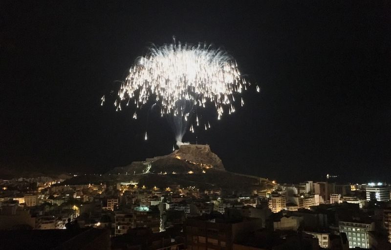 Fireworks Alicante Castle Santa Barbara San Juans Night 2016 EyeEm Awards The Moment - 2016 Eyeem Awards 2016 Fotographie Night San Fernando Mountain Park Relaxing Photo Collection Night Mediterranean Hello World